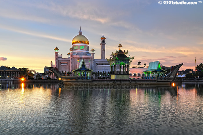 Photograph Masjid Sultan Omar Ali Saifuddin by Ali Shamsul Bahar on 500px
