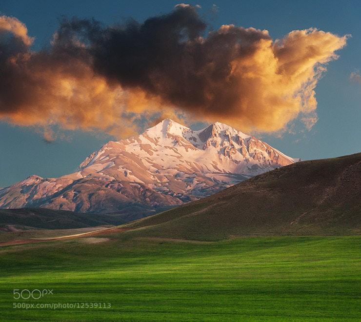Photograph peak by Bardia Saadat on 500px