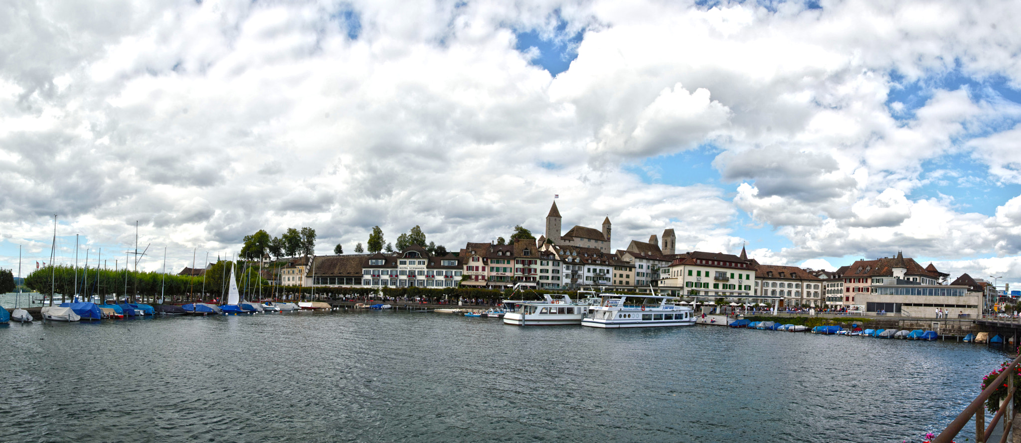 Photograph http://en.wikipedia.org/wiki/Rapperswil by Mircea Vasiu   ( hobby photographer ) on 500px
