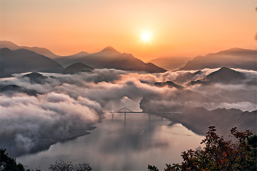 Sunrise of the lake by Park ddoven on 500px.com