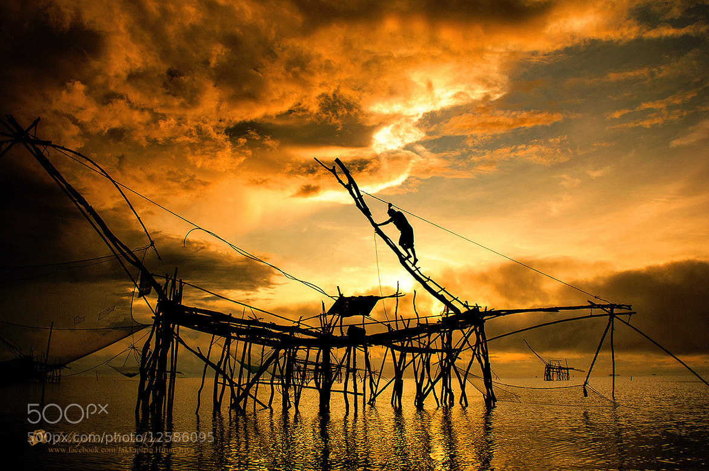 Photograph LIFE by Jakkaphan Hirunviriya on 500px