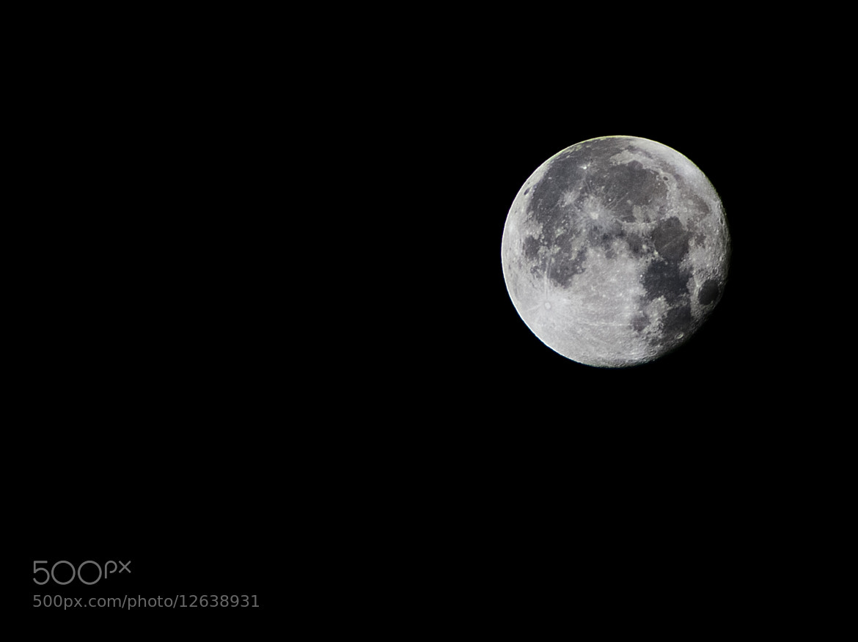 Photograph Gorgeous moon. by Eduardo Gutiérrez on 500px