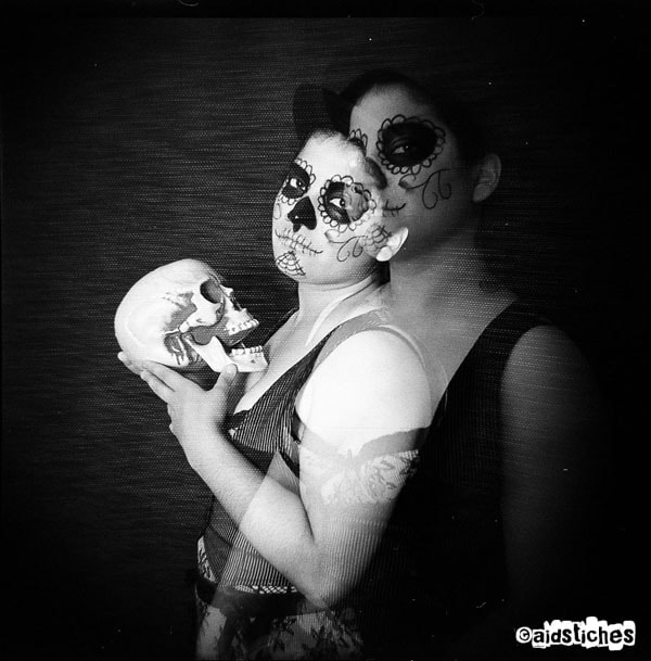 Photograph holga muertos by Aids tiches on 500px