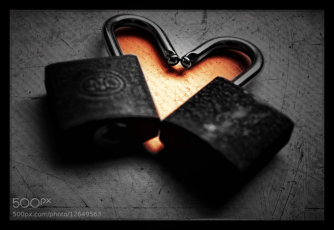 Photograph Metal heart never break by sushan shrestha on 500px