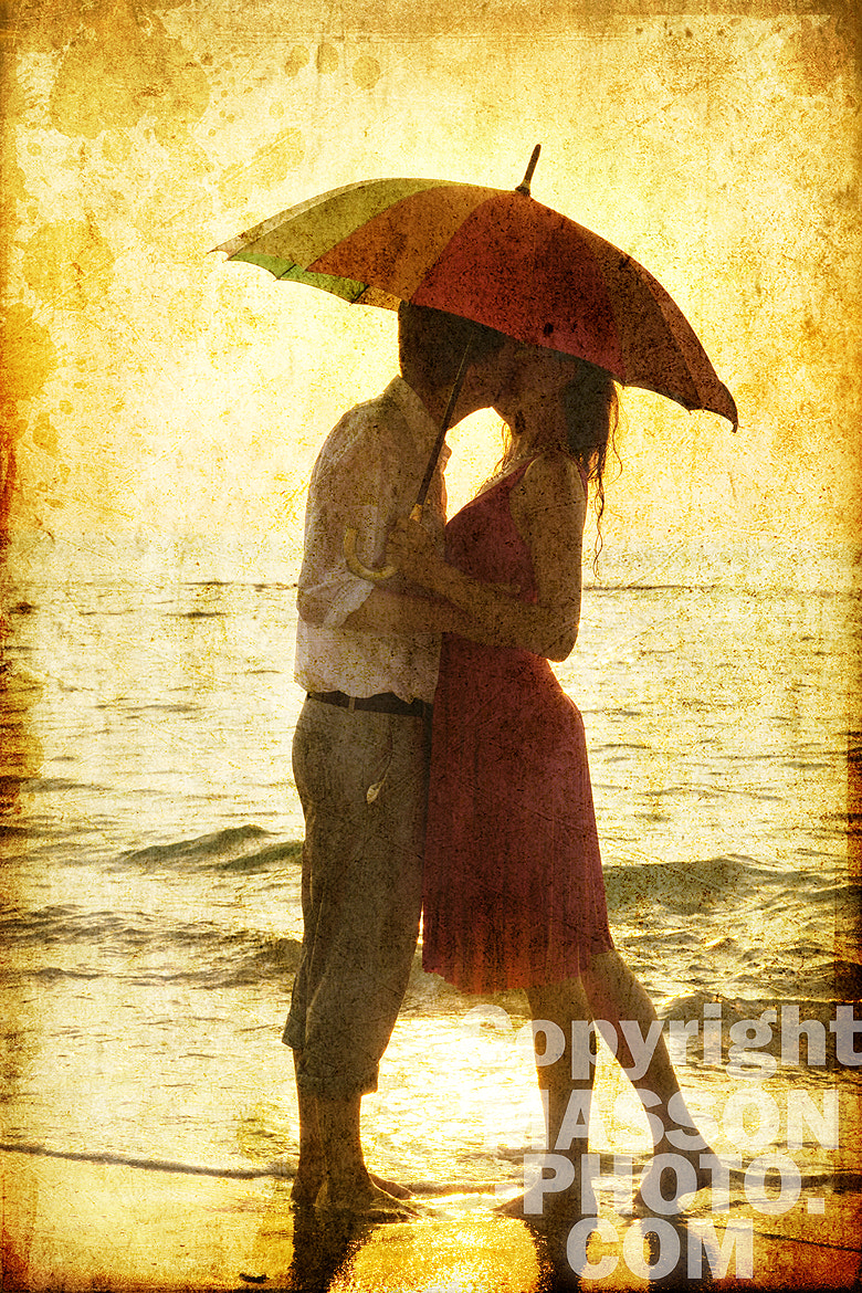 Photograph Couple kissing under umbrella at the beach in sunset. by Vladimir Nikulin / Masson on 500px