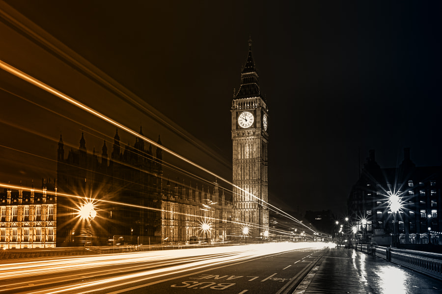 Two sides of the Westminster Bridge by Giuseppe Torre on 500px.com