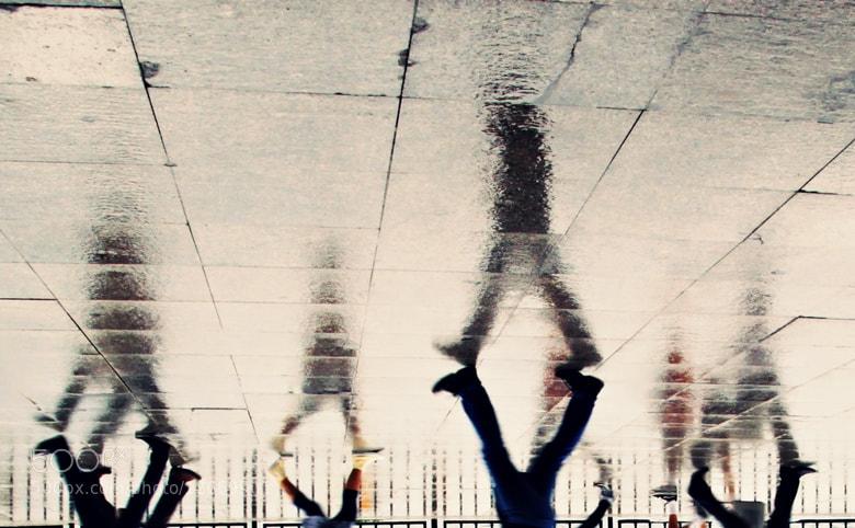Photograph walking by Özlem Akekmekci on 500px