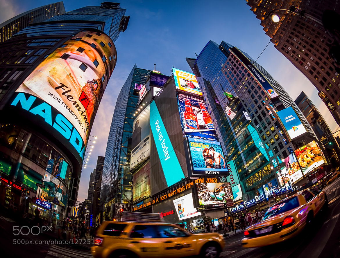 Photograph Times Square frenzy by Roberto D'Antoni on 500px