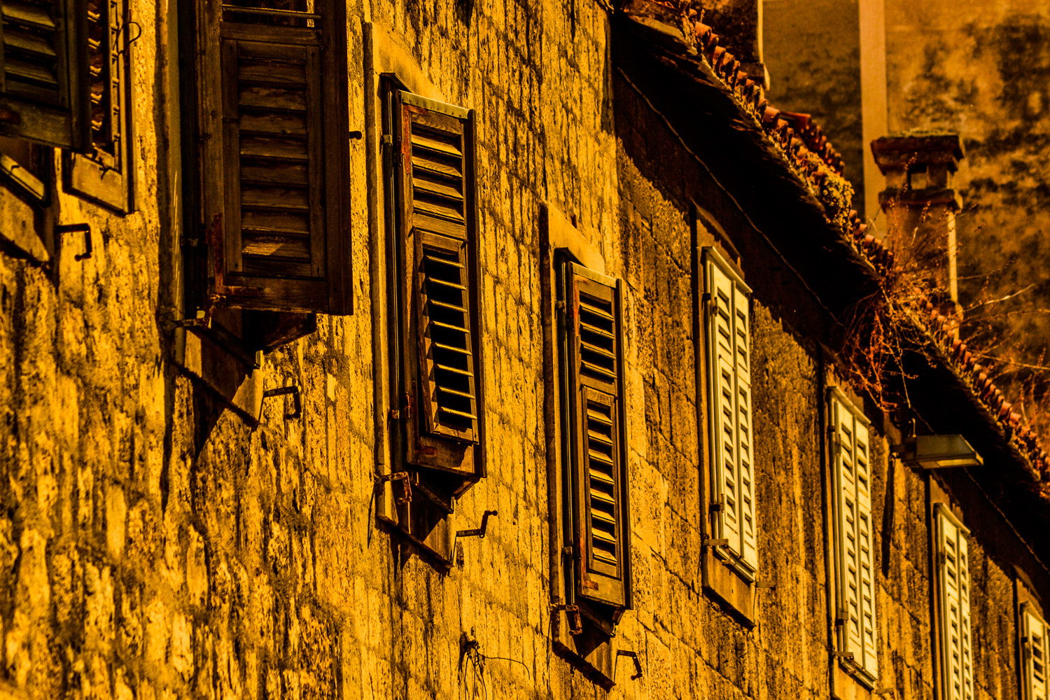 Photograph windows by LH Padovan on 500px