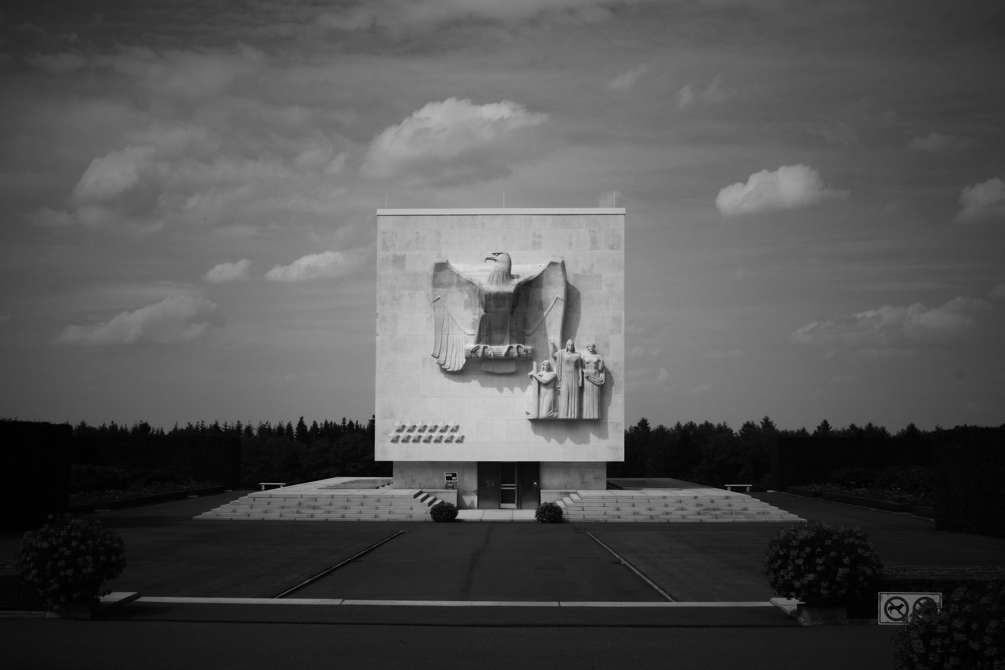Photograph American Cemetery by julien janvier on 500px