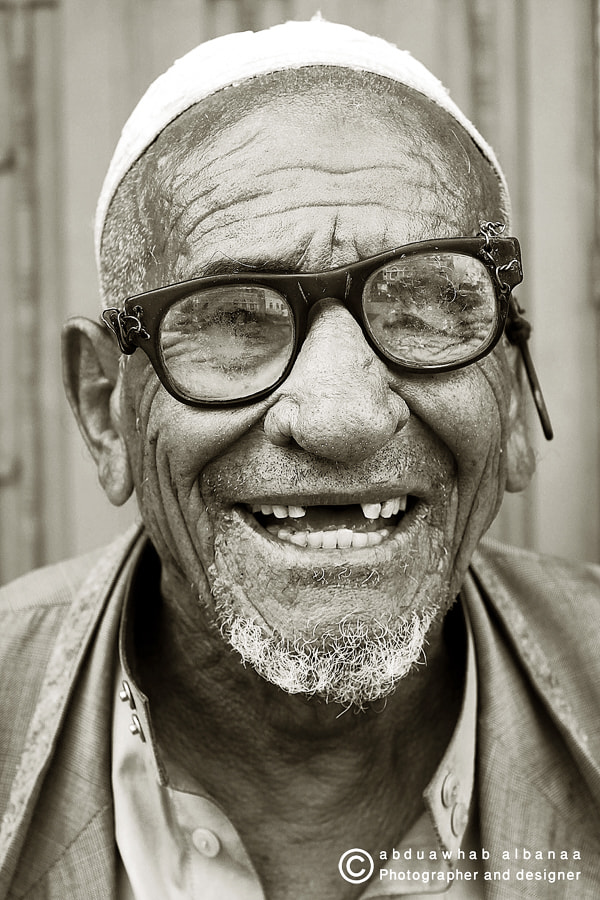 Photograph Despite this life Laugh with them  by abdualwhab albanaa on 500px