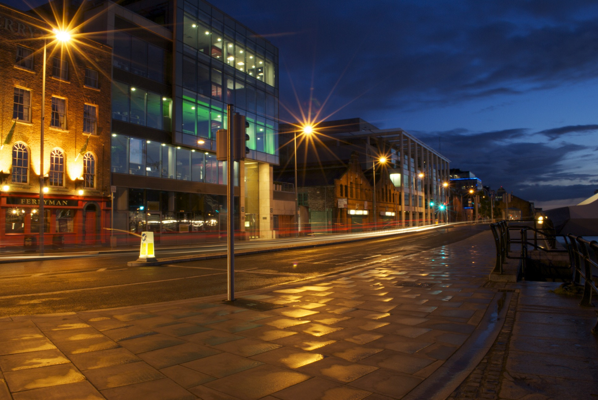 Photograph Night on the Quays by Damian Synnott on 500px
