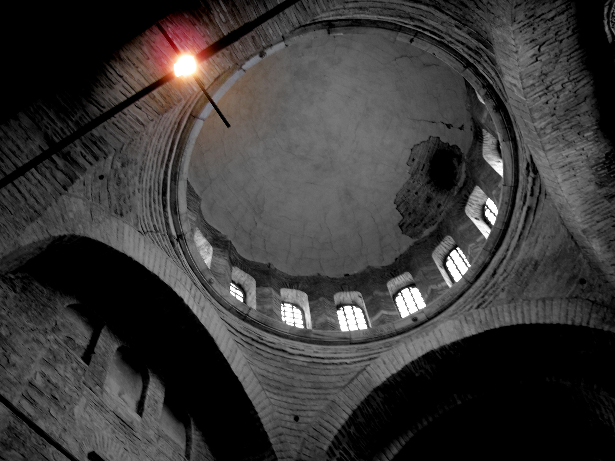 Photograph A simple ceiling by Kaya Energin on 500px