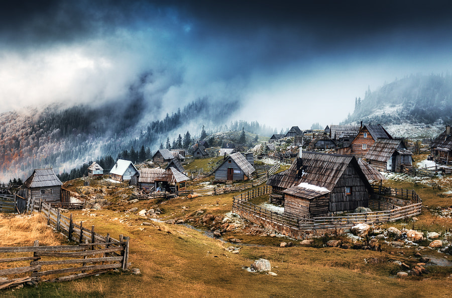 Highlanders Village by Legends of the Winter  on 500px.com