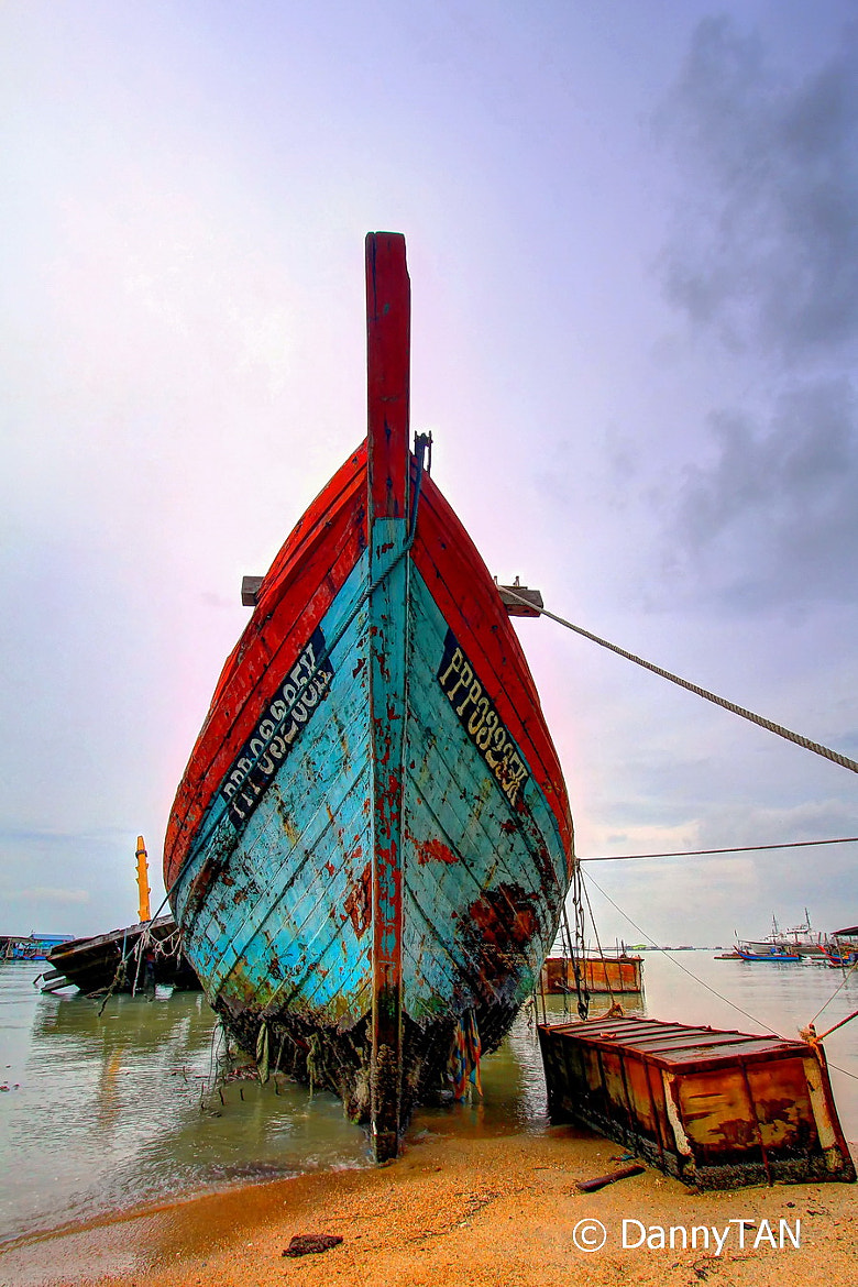 Photograph Abandoned Boat | Batu Maung by Danny Tan on 500px