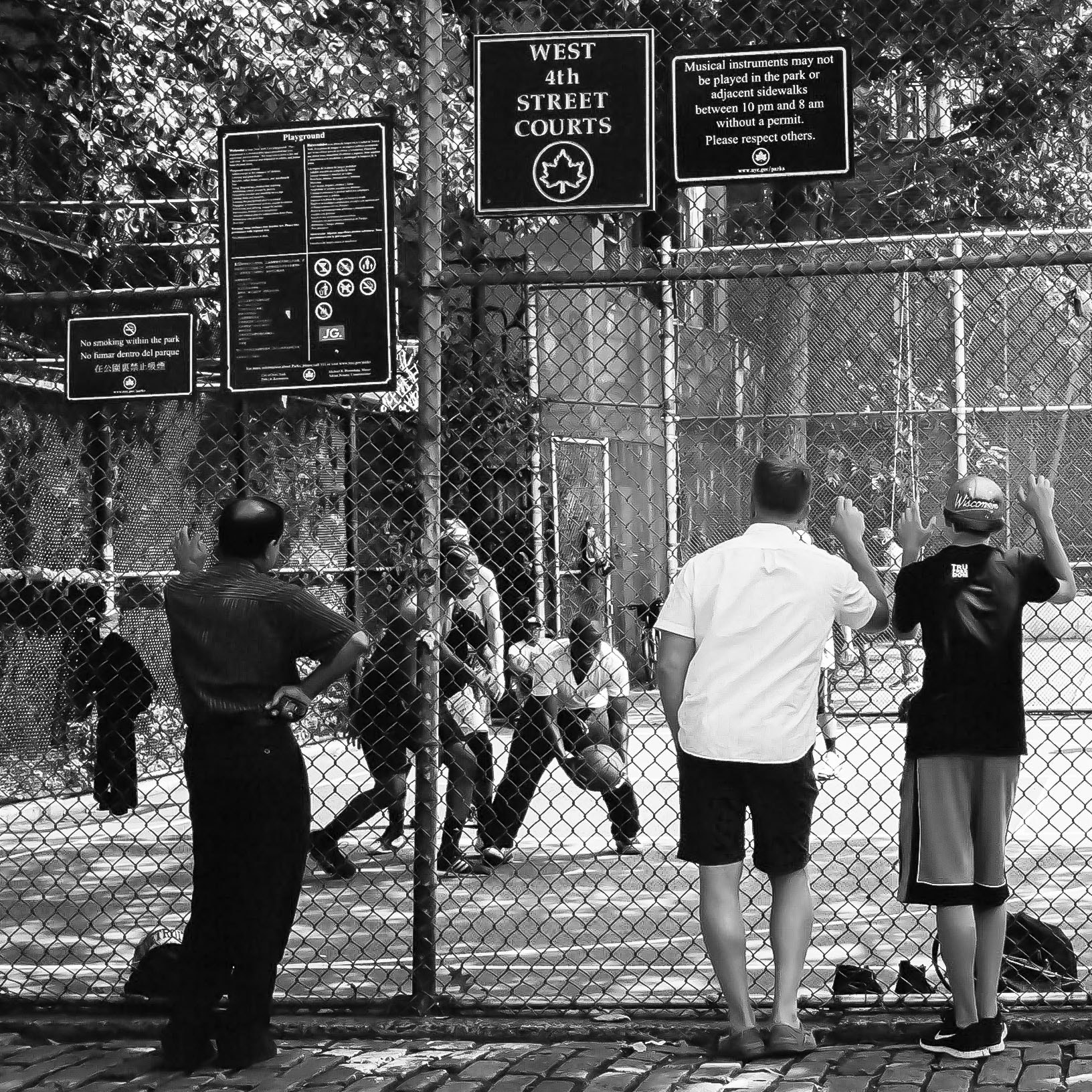 Photograph West 4th Street Spectators by PJ Resnick on 500px