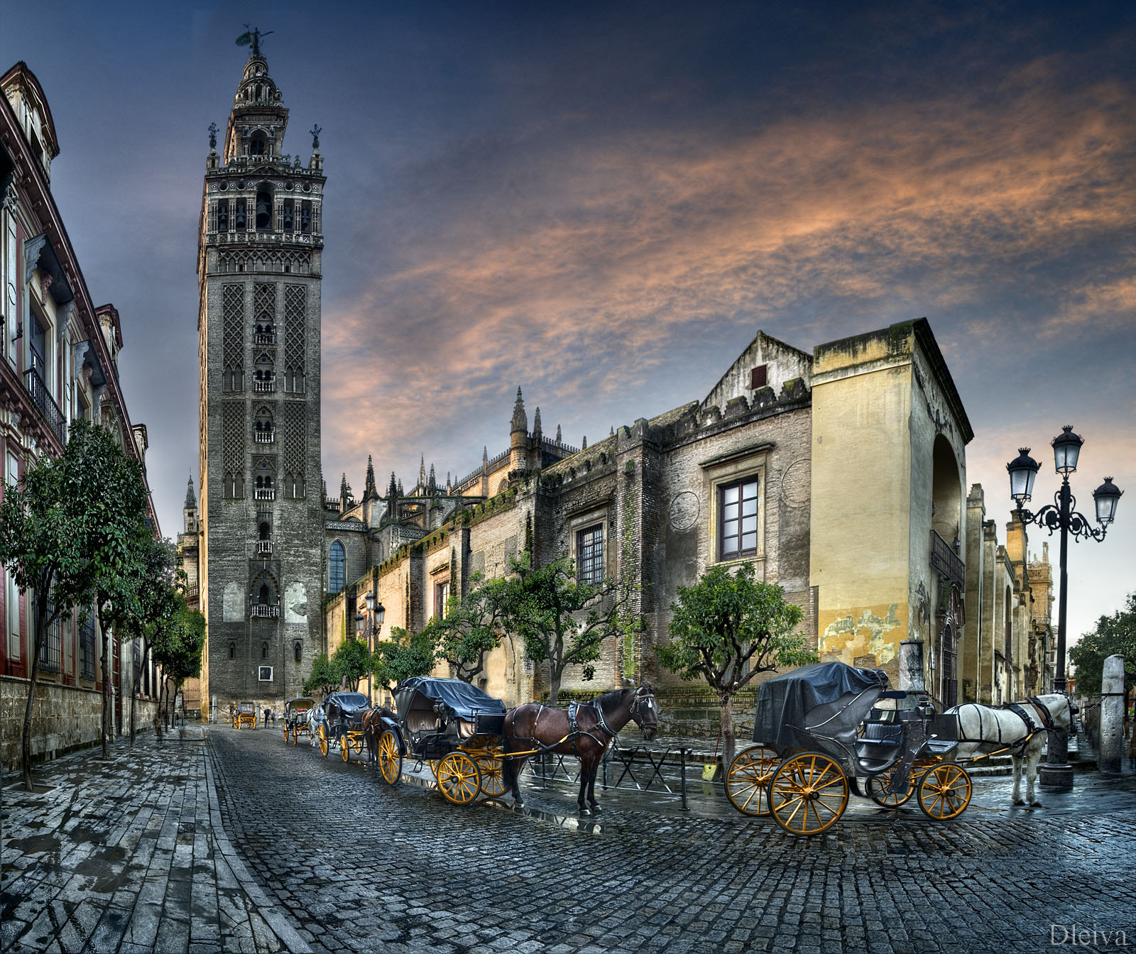 Photograph The Giralda Tower and Cathedral (Sevilla, Spain) by Domingo Leiva on 500px