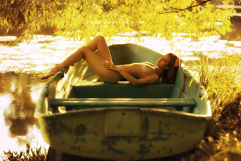 Photograph in a boat by Deni Soul on 500px