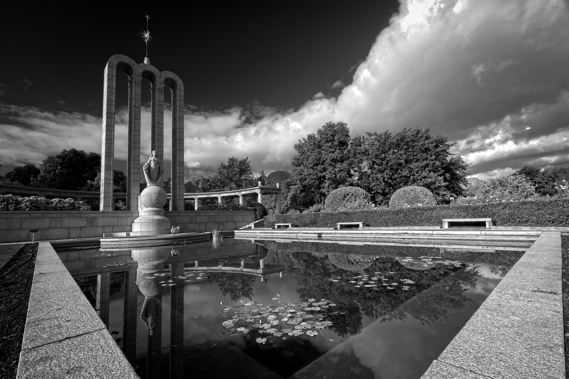 Photograph Huguenot Monument by Lawrence Boatwright on 500px