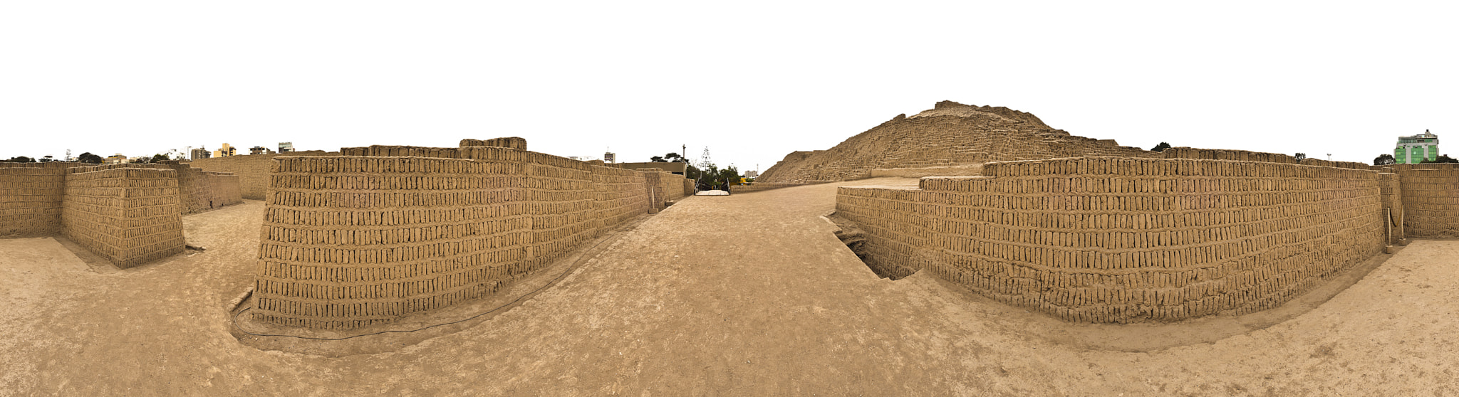 Photograph Huaca Pucllana, Lima, Perú. by Mike Joints on 500px