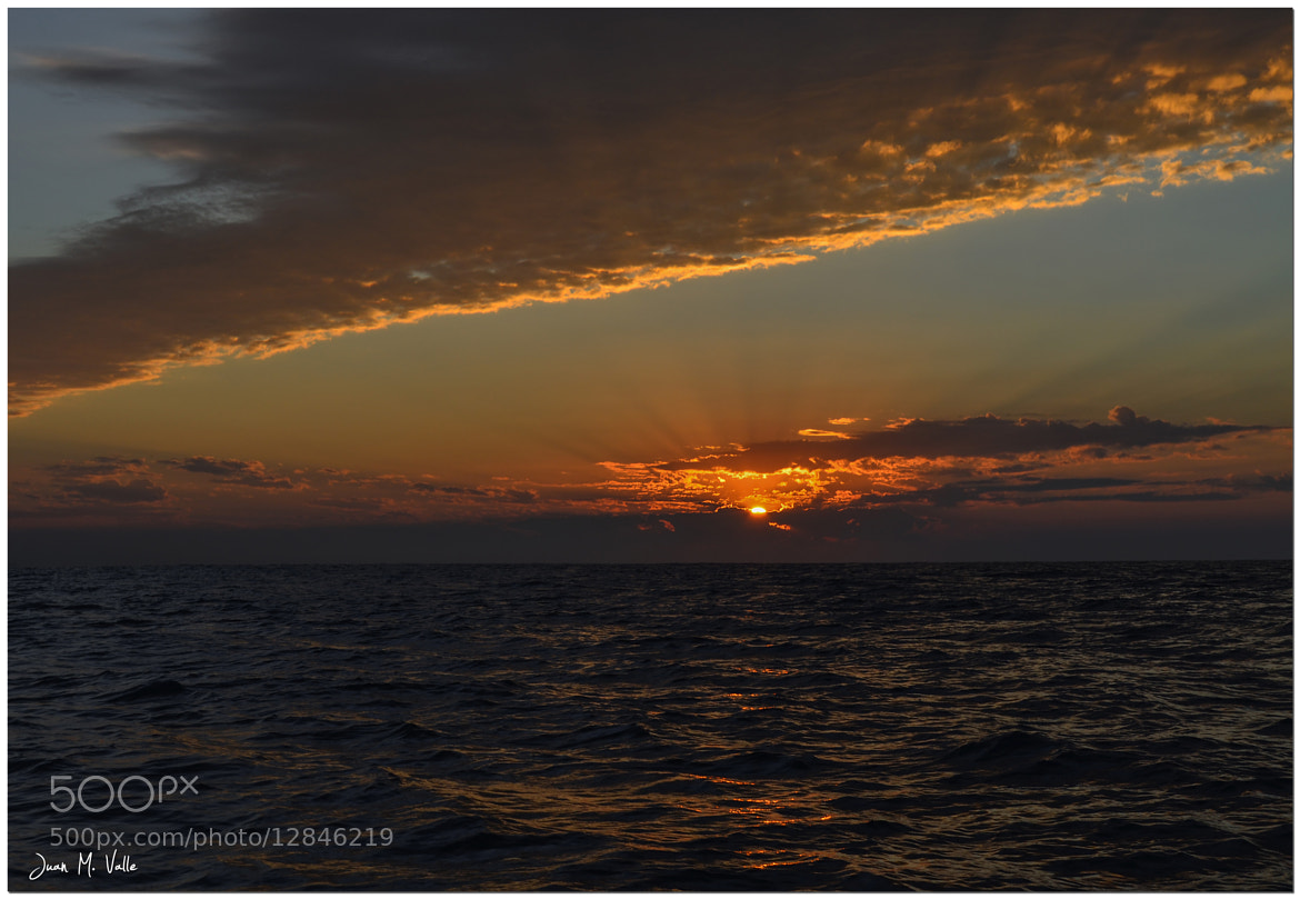 Photograph Sunrise at the sea by Juan Manuel Valle Durán on 500px