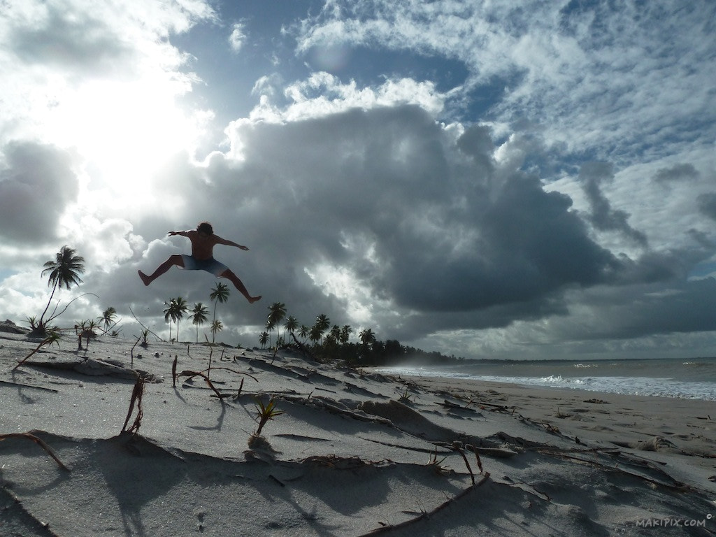 Photograph Jumping project in Morro by MakiPix.com  on 500px