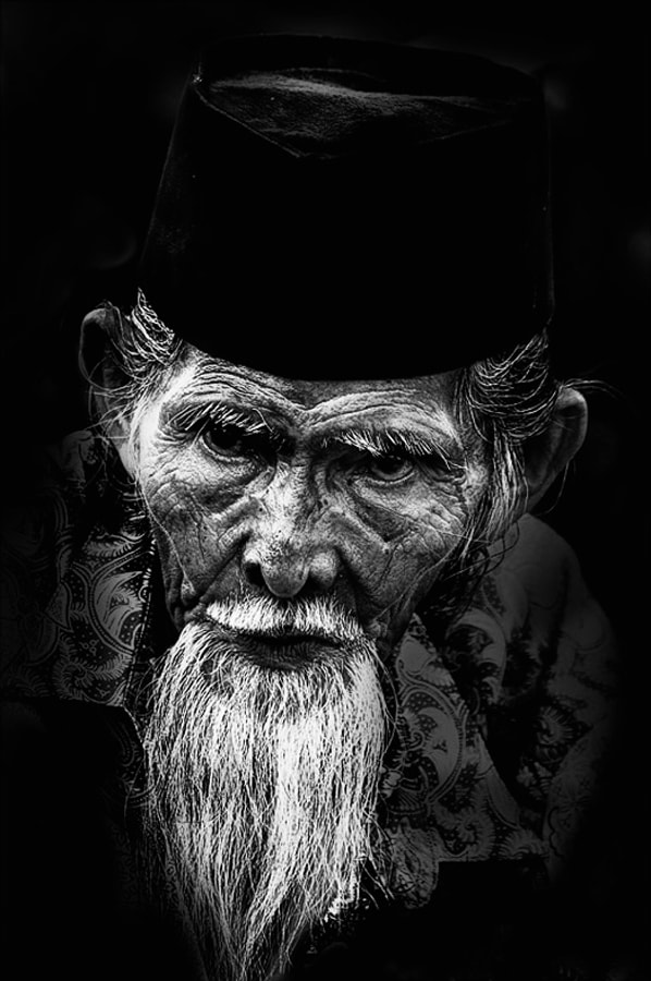 Photograph portrait of an old man by Budi Herawan on 500px