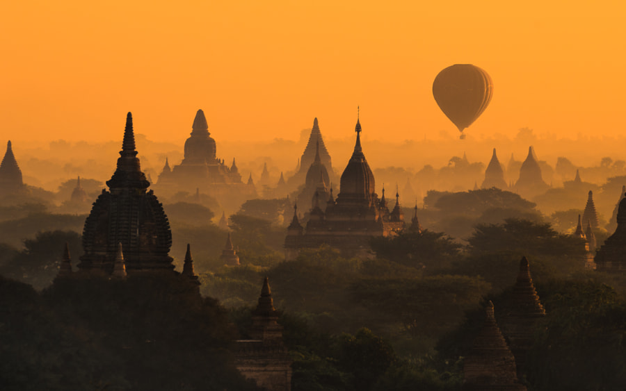 Pagoda field in Bagan by Nattapon Sritrairat on 500px.com