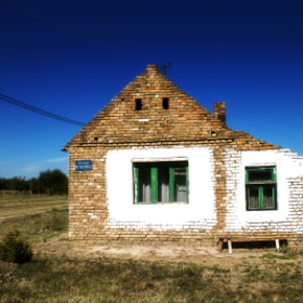 Old House by Damjan Dasic (divio)) on 500px.com