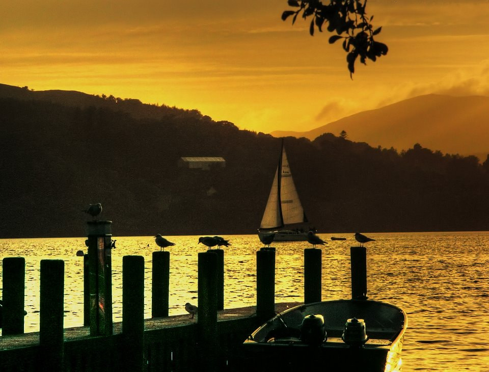Photograph Sunset on windermere by Garry Atkinson on 500px