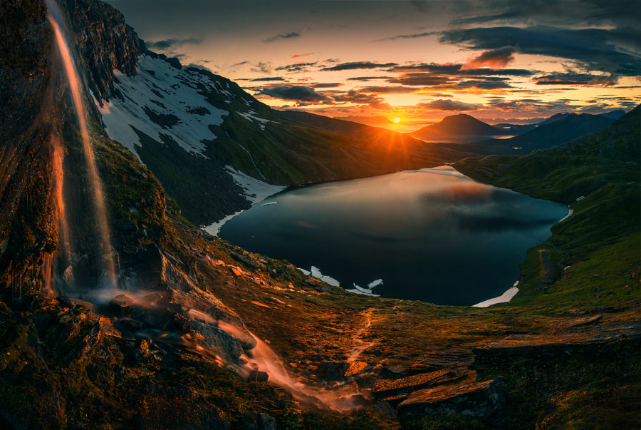 Falling Back by Max Rive on 500px.com