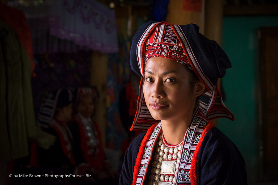 Hmong girl by Mike Browne on 500px.com