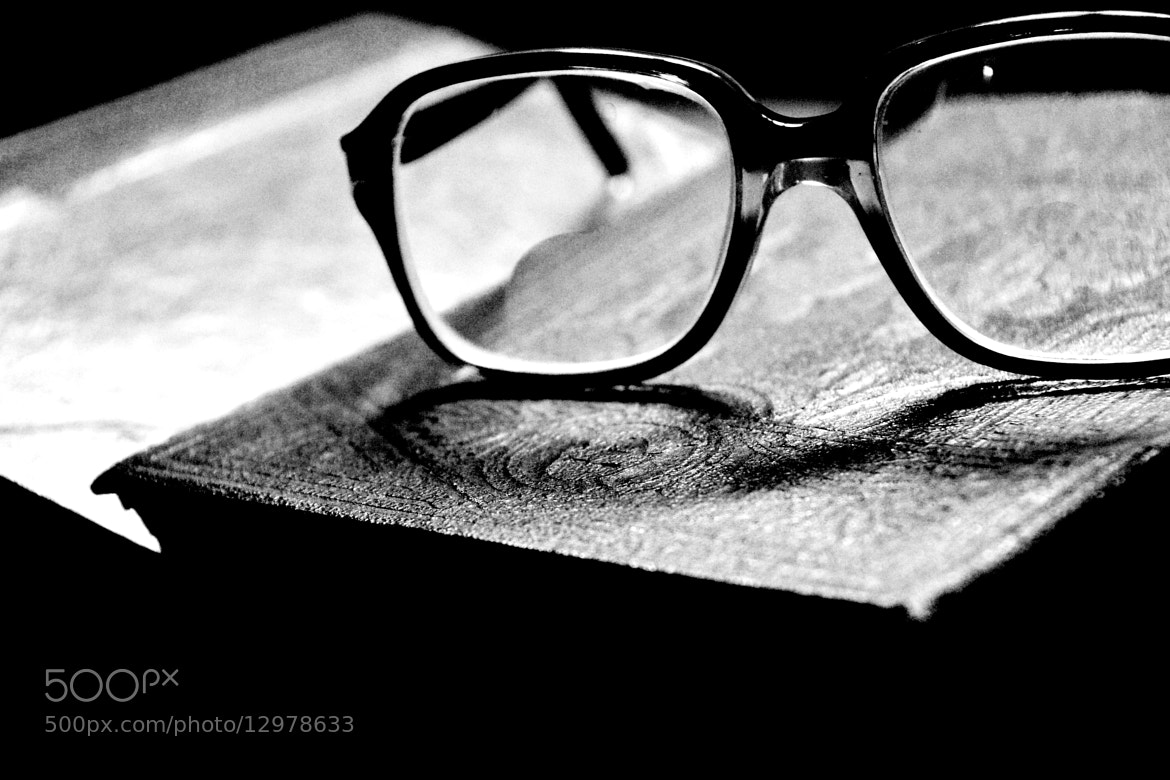 Photograph Tired of reading! by Aravindhsibi Arumugam on 500px
