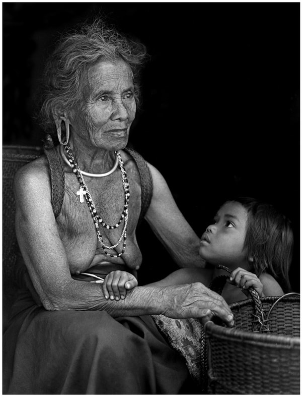 Photograph  CODE 478- GRAND MOTHER & GRAND DAUGHTER by Tran Minh  Ngoc on 500px