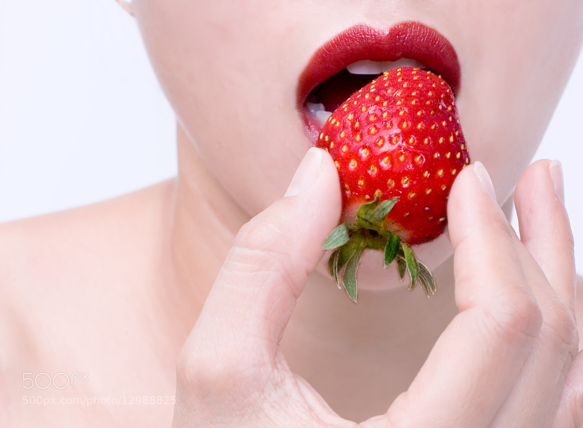 Photograph Strawberry Love by Warren Ishii on 500px