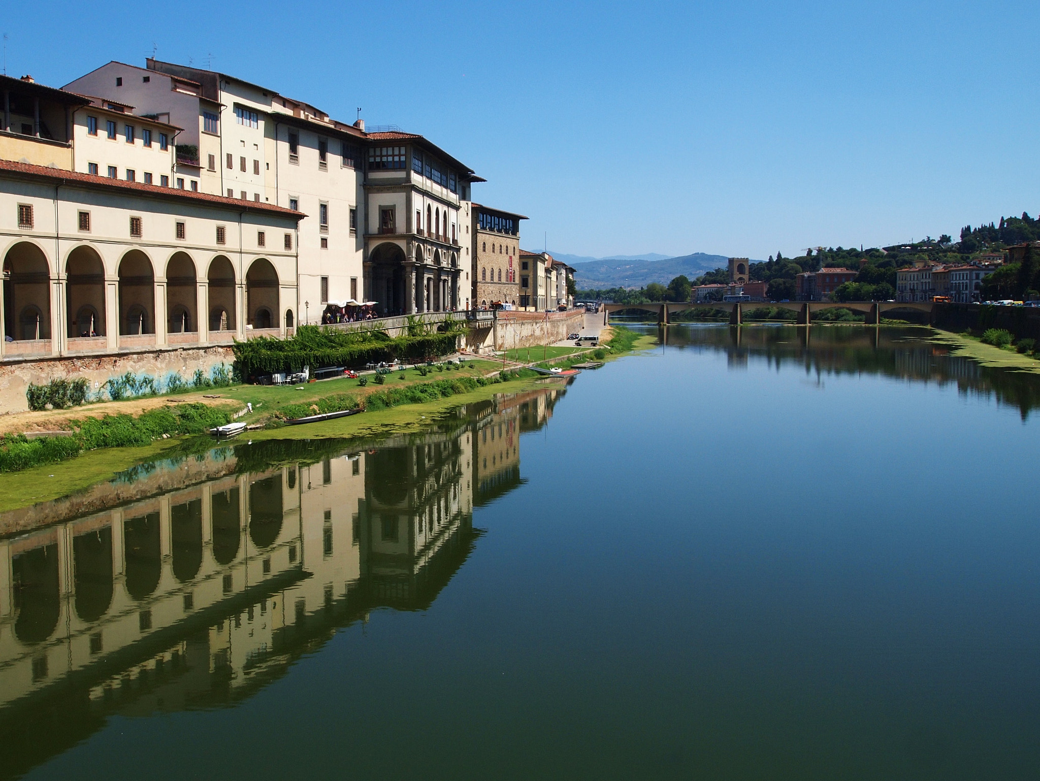 Photograph Il fiume Arno in bella Fiorence by Aj Nat on 500px