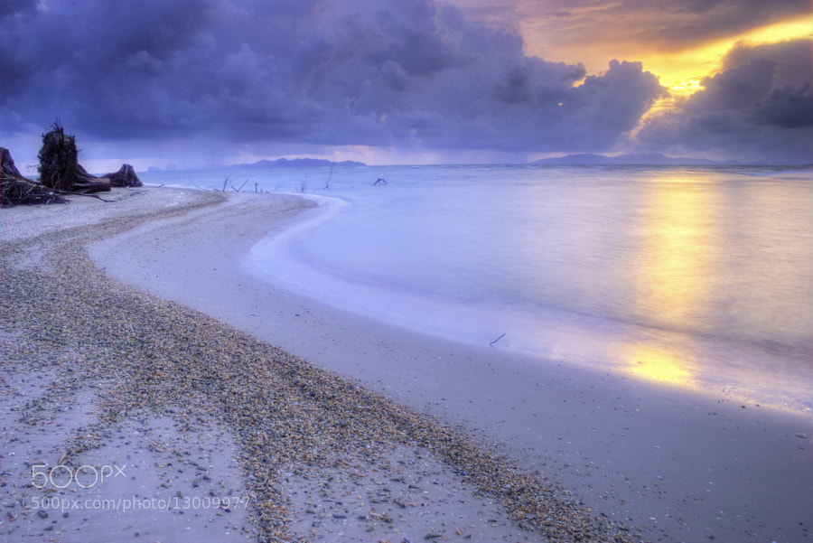 Photograph Approaching Storm by Chaluntorn Preeyasombat on 500px