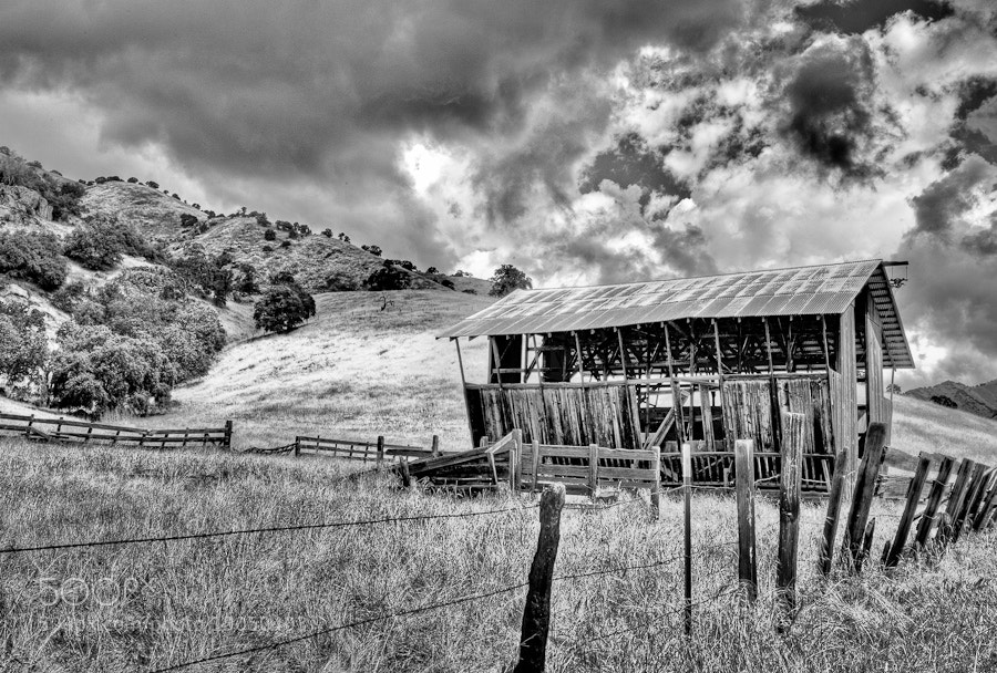 Photograph Barn Storm (i) by Joseph Fronteras on 500px