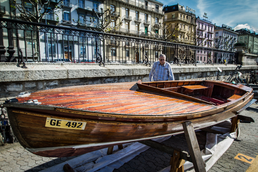Photograph painting a boat by Andy Butkaj on 500px