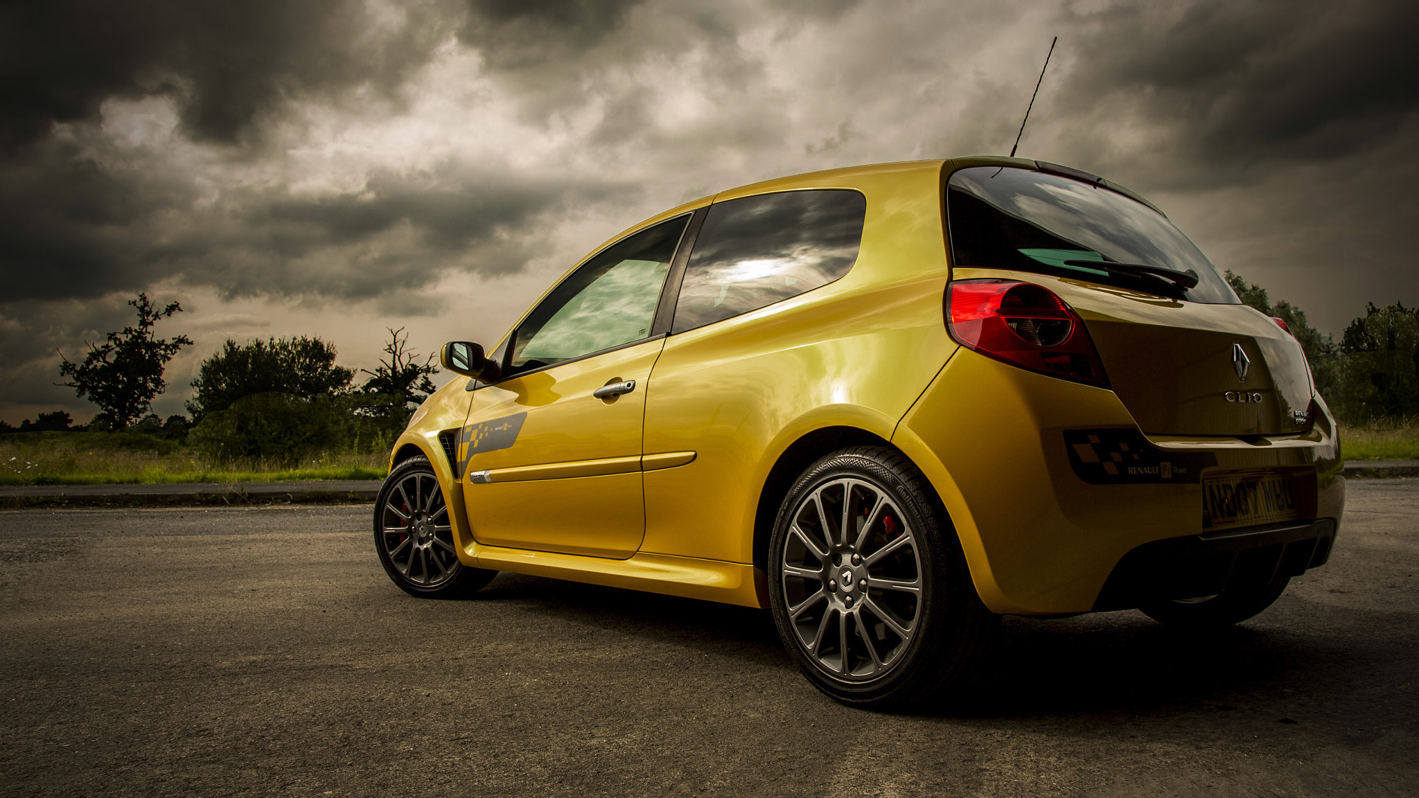 Photograph RenaultSport Clio 197 by AdrianFRST  on 500px