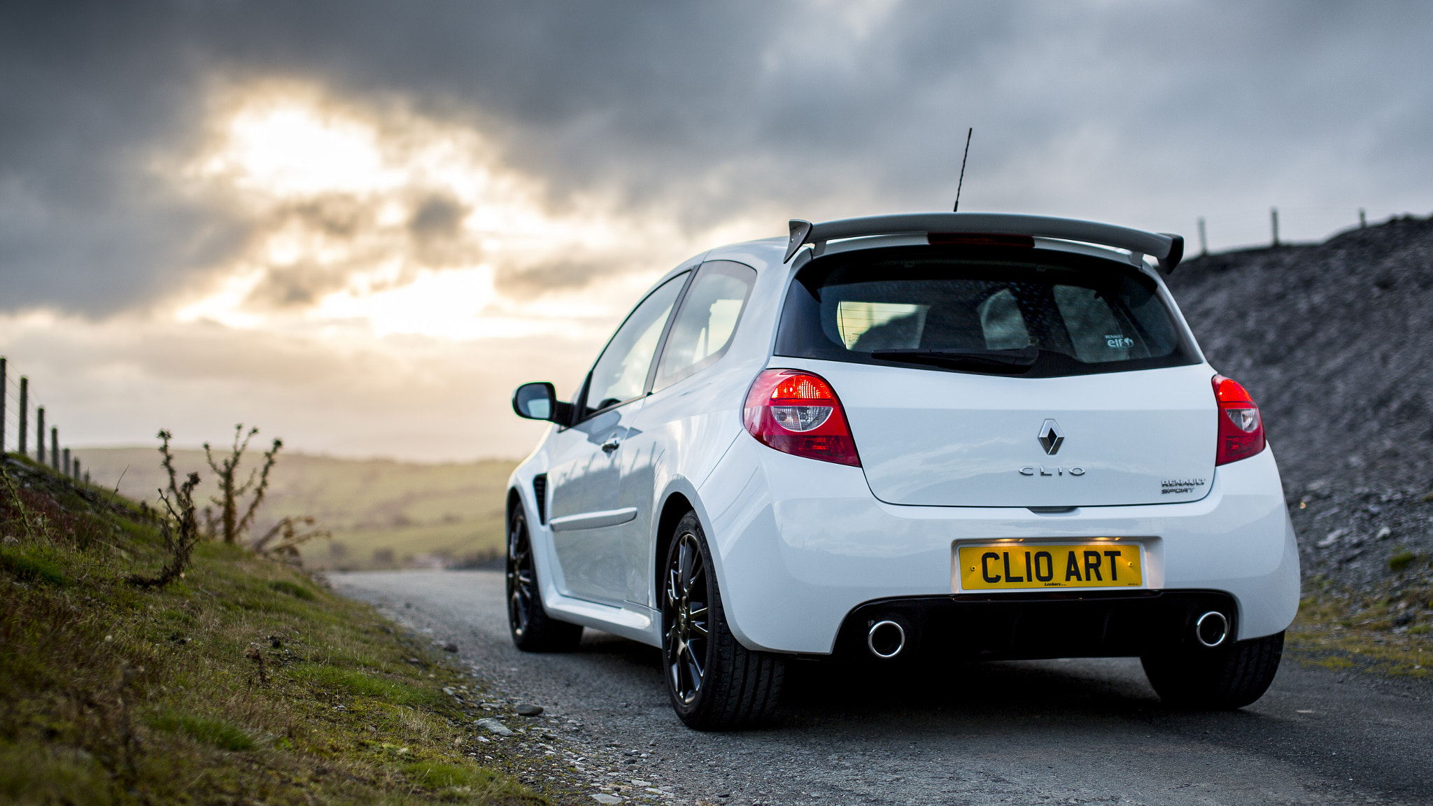 Photograph RenaultSport Clio 200 by AdrianFRST  on 500px