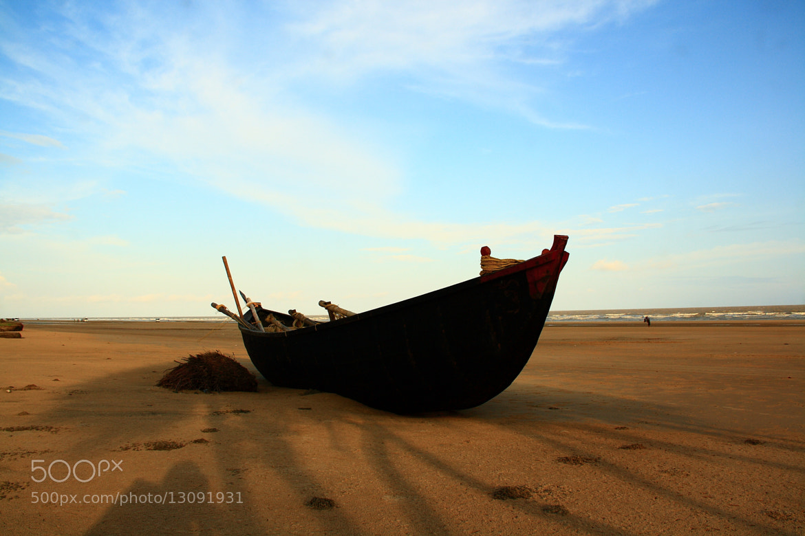 Photograph boat at beach by Pranab Ghosh on 500px