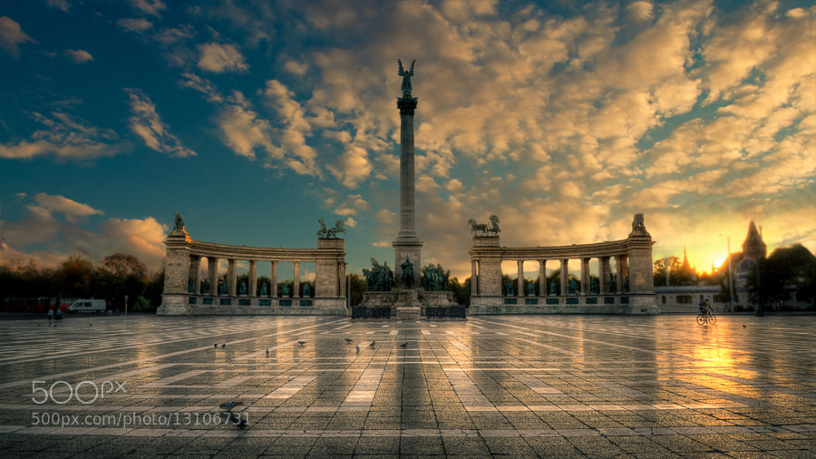 Photograph Heroes square by Laszlo Gal on 500px
