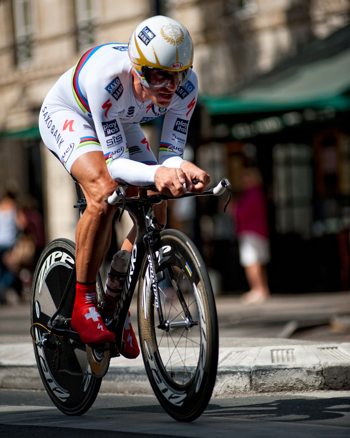 Fabian Cancellara puts his stamp on the 2010 Tour de France by winning the final individual time trial!