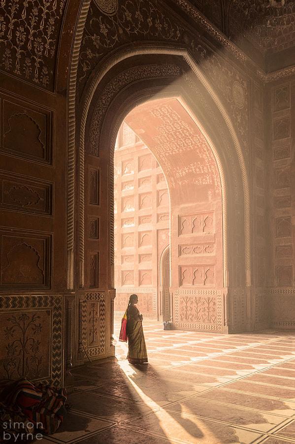Masjid Mosque, Taj Mahal, Agra by Simon Byrne on 500px.com