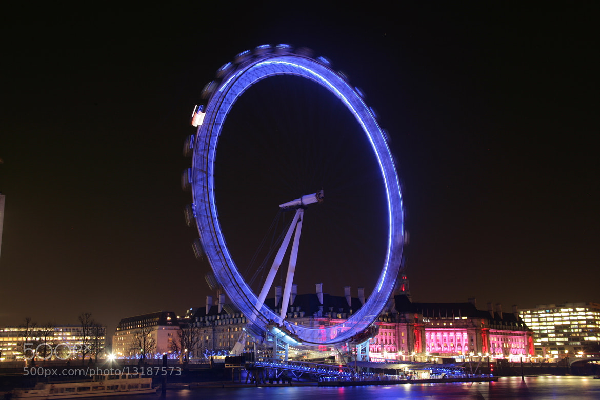 Photograph The London Eye in motion at night. by Scott Graham on 500px