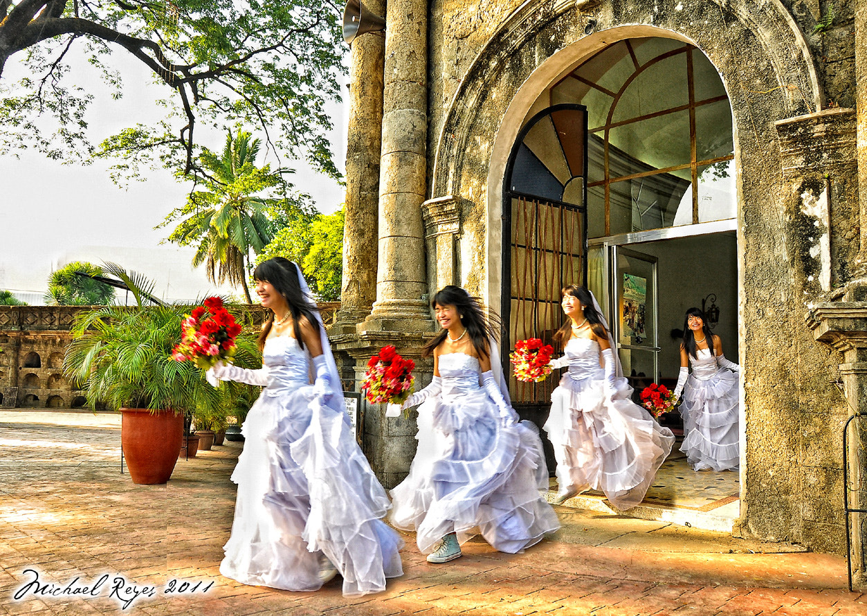 Photograph Running Bride by michael reyes on 500px