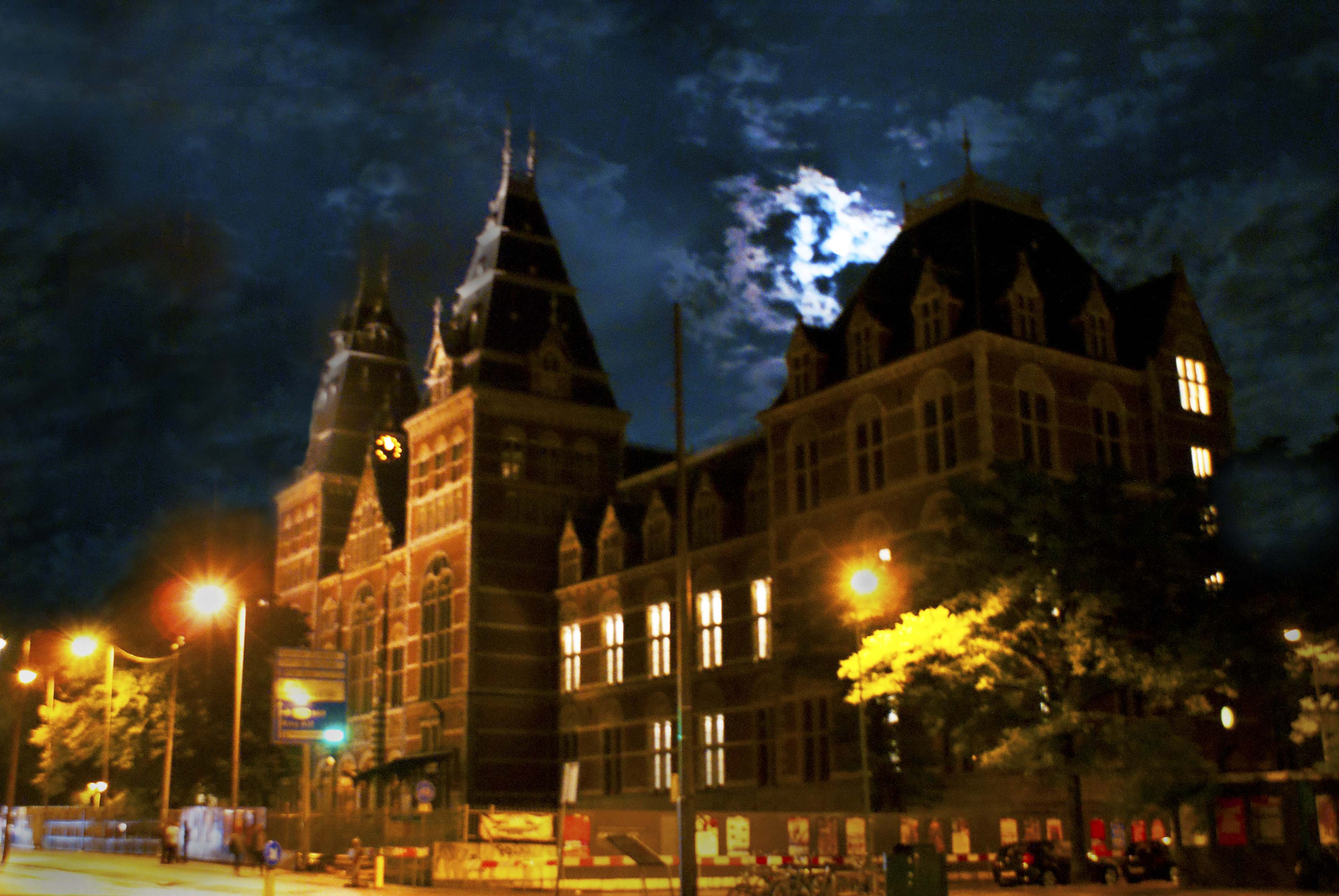 Photograph Full Moon in Amsterdam by Bobby Gonzalez on 500px