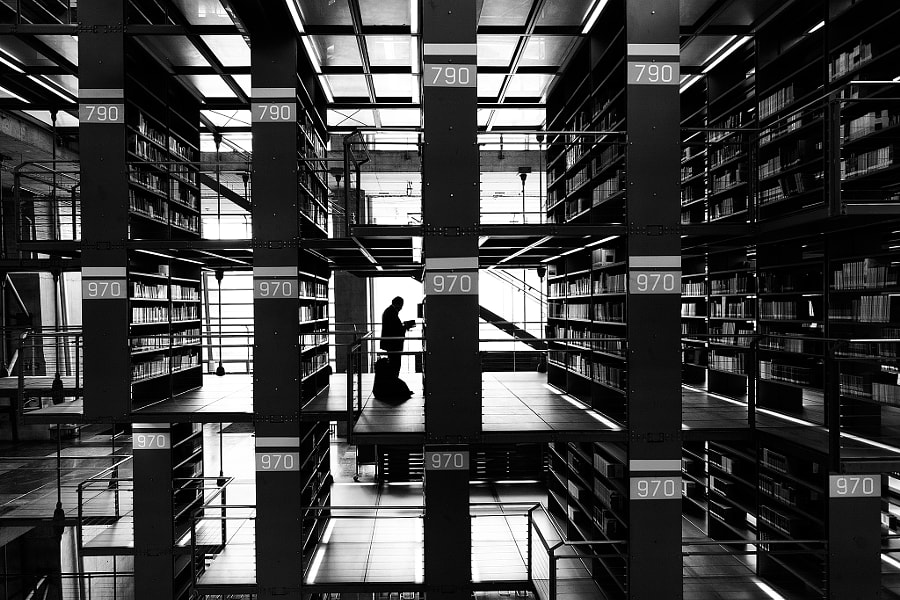 Reader at 970 by Moisés Rodríguez on 500px.com