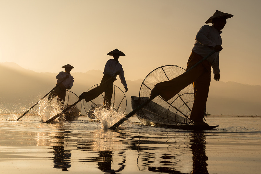 Fishing (Inle myanmar) by Sarawut Intarob on 500px.com